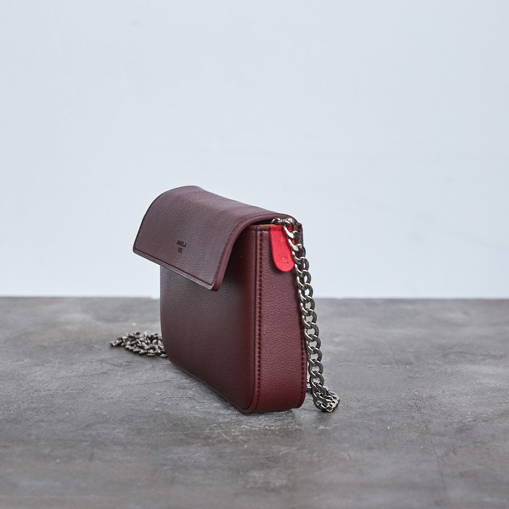 Hamilton Mini Chain Cross-body in Bordeaux