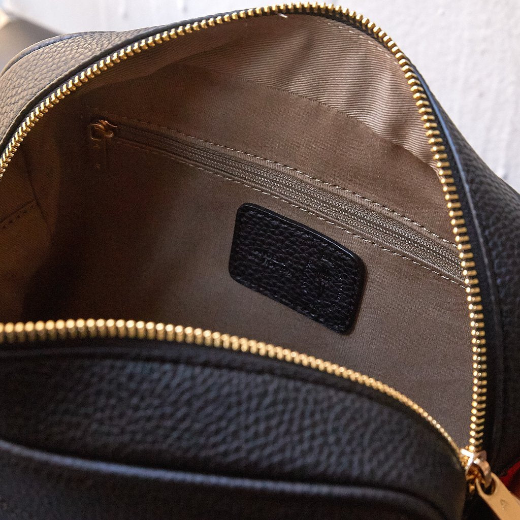 Grace Crossbody with Signet in Black