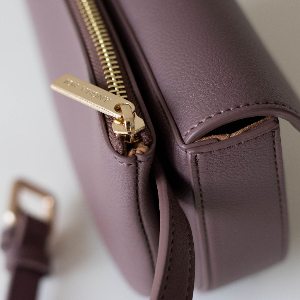 Hamilton Belt Bag / Cross-body in Ash Rose zipper detail
