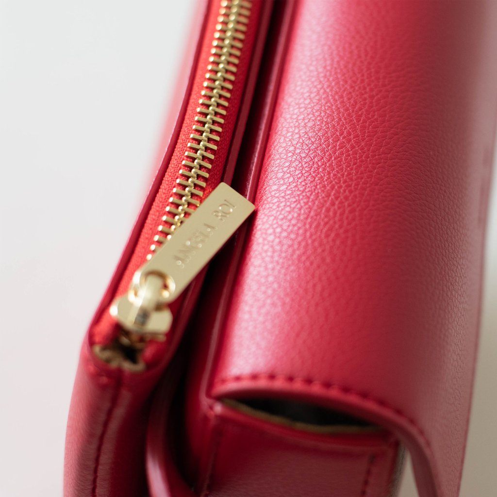 Hamilton Belt Bag / Cross-body in Red zipper close up