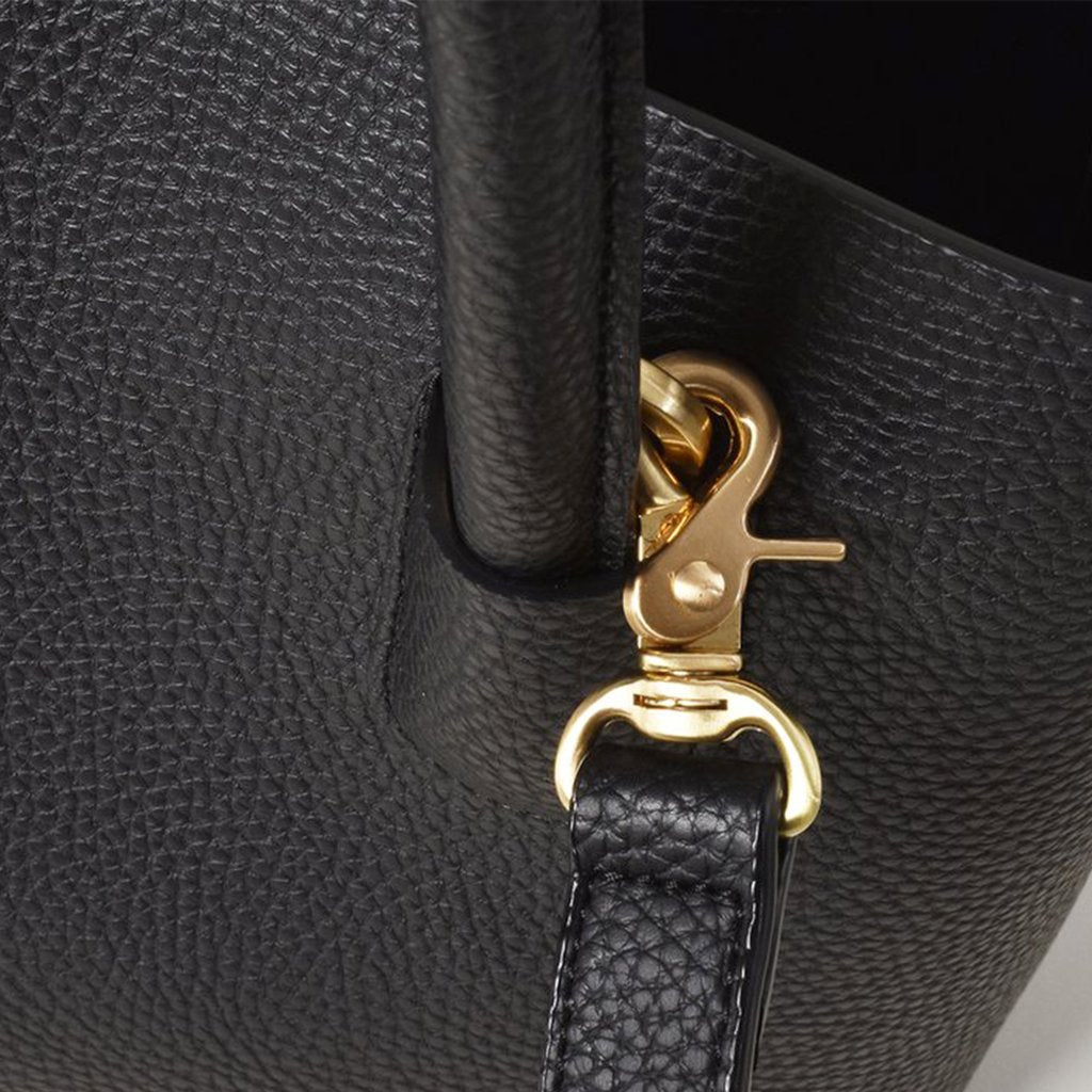 Angela Roi Vegan Cher Tote Mini in Black, hardware close up