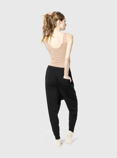 Miakoda Slouchy Pant, black on model back view