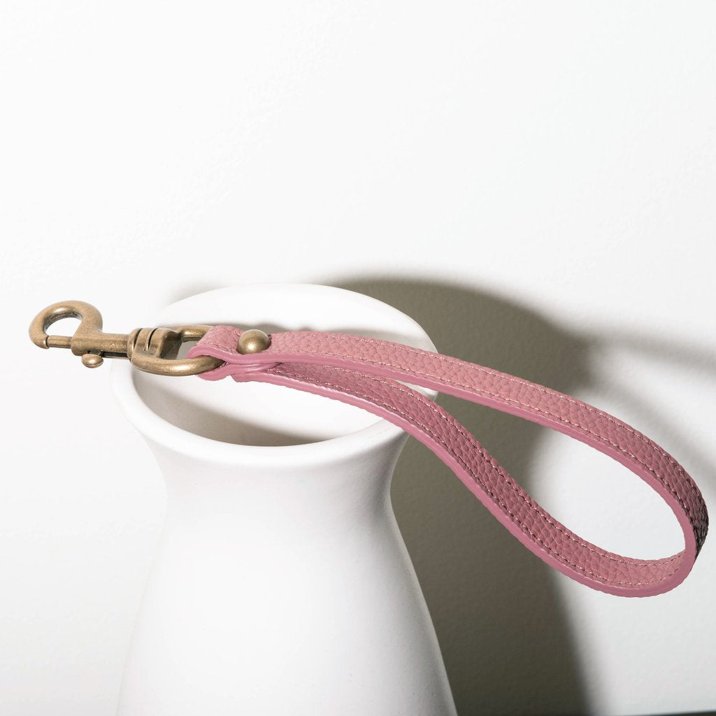 Angelou Hand Strap in nude pink