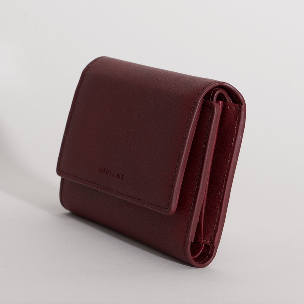 Olivia Compact Wallet in Bordeaux 3/4 view