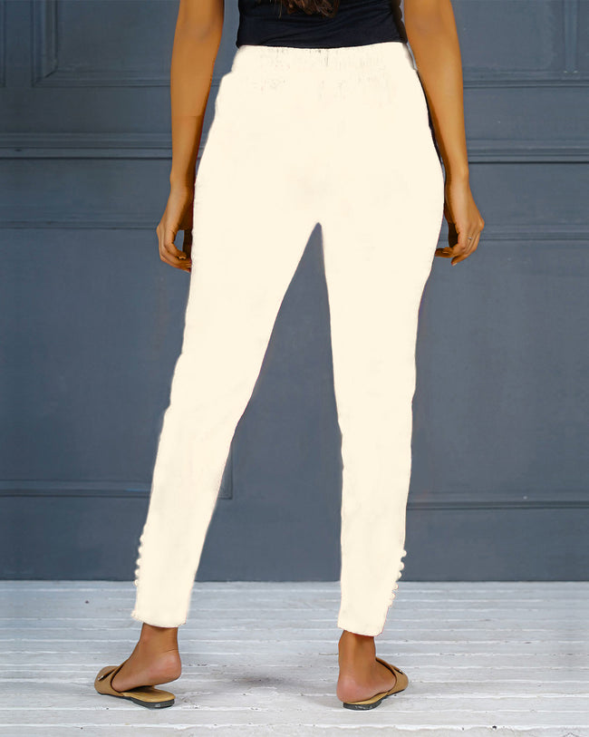 Cream Solid Stretchable Narrow Fit Pant