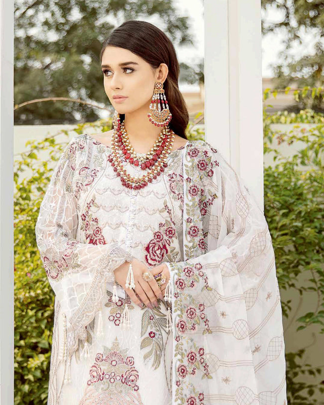Pleasant White Color Fox Georgette Unstitched Pakistani Suit