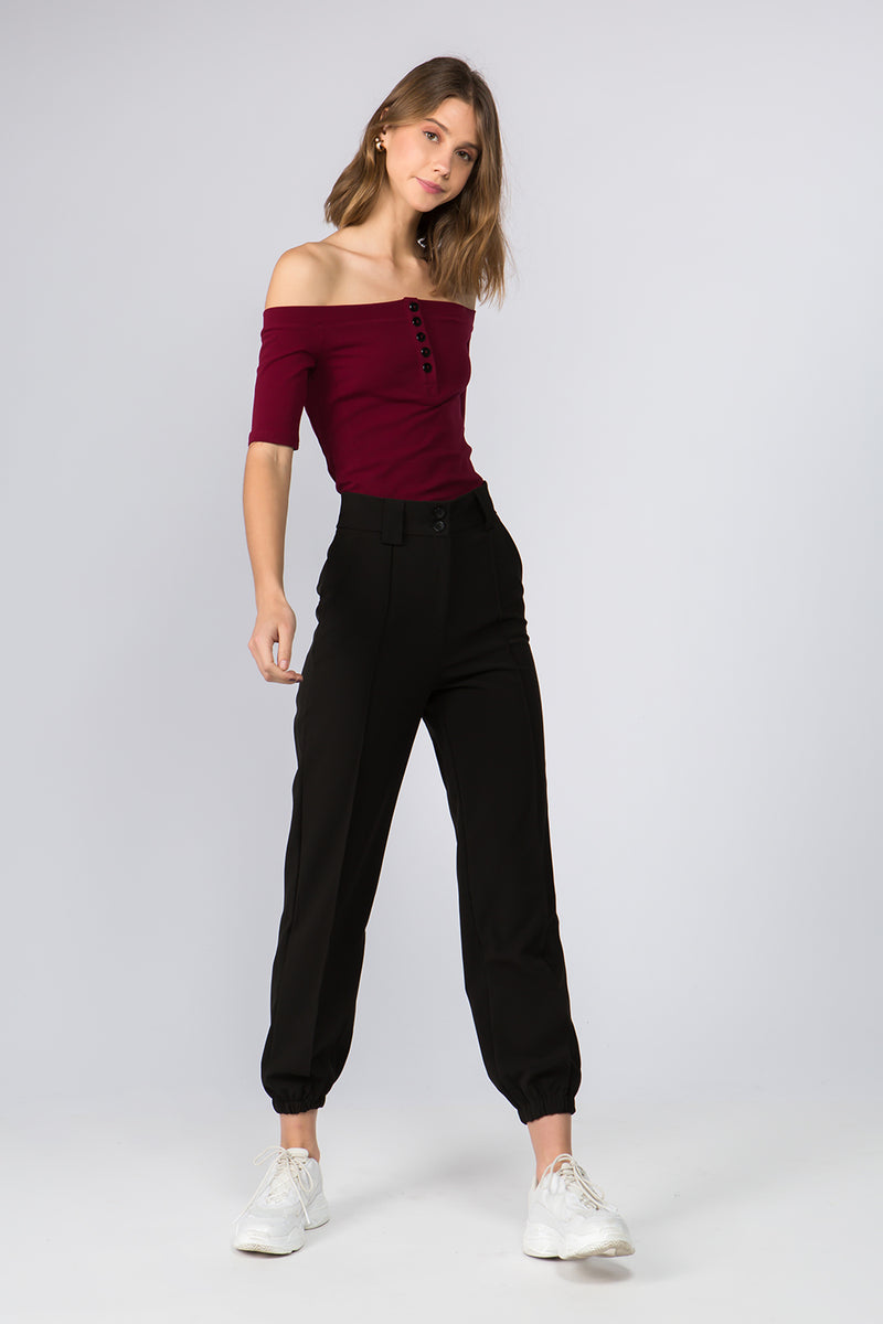 Off-the-shoulder Top in Wine