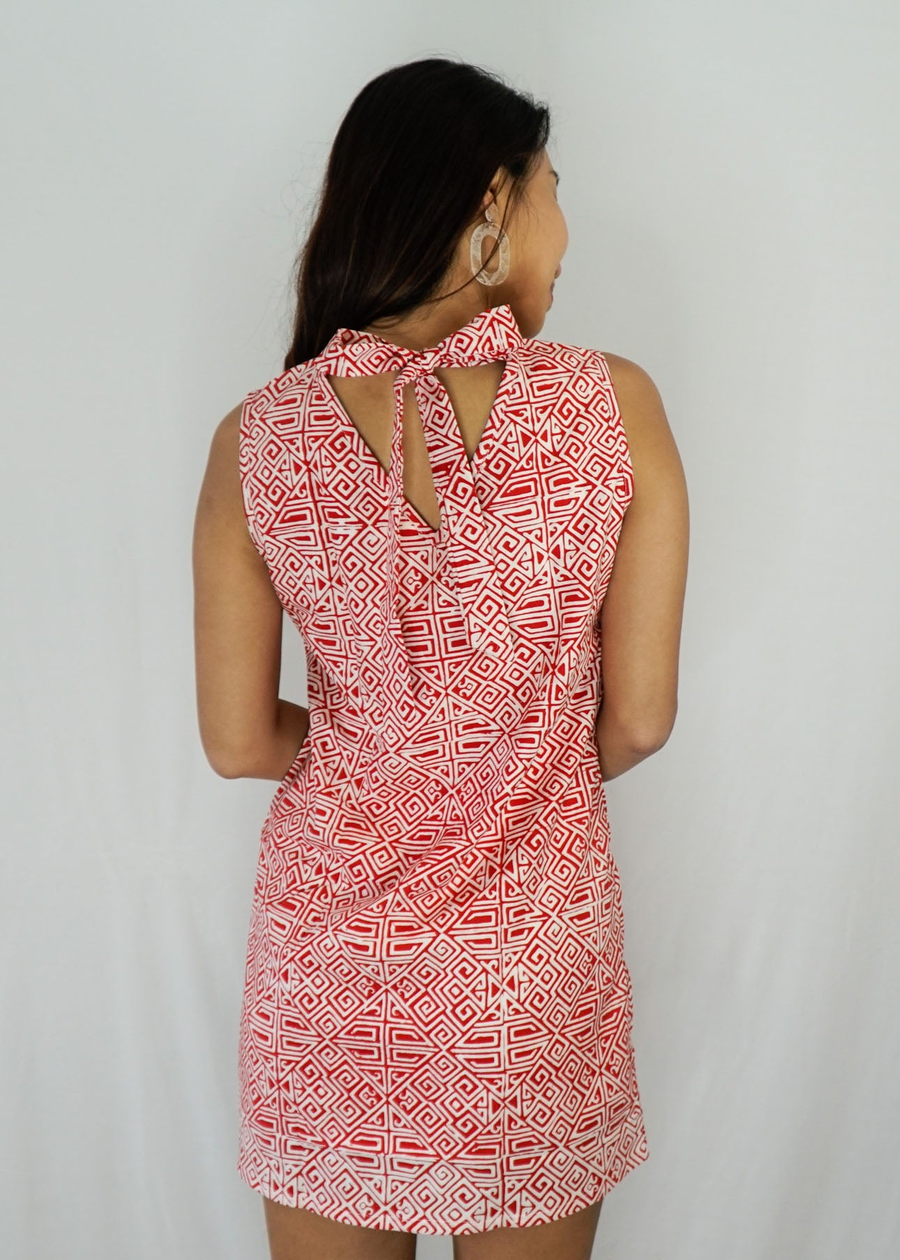 Joli Ribbon Tie-Back Dress in Geometric Red