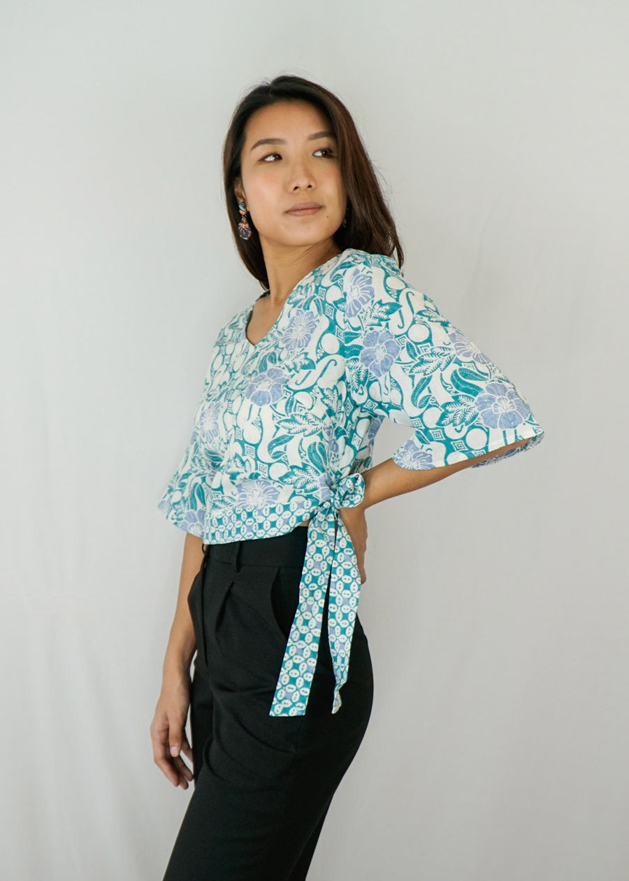 Tracy Flare Sleeves Top in Turquoise Parang