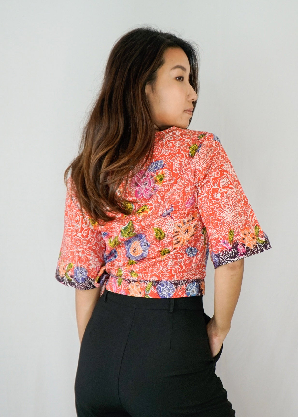 Tracy Flare Sleeves Top in Hand Drawn Blumen