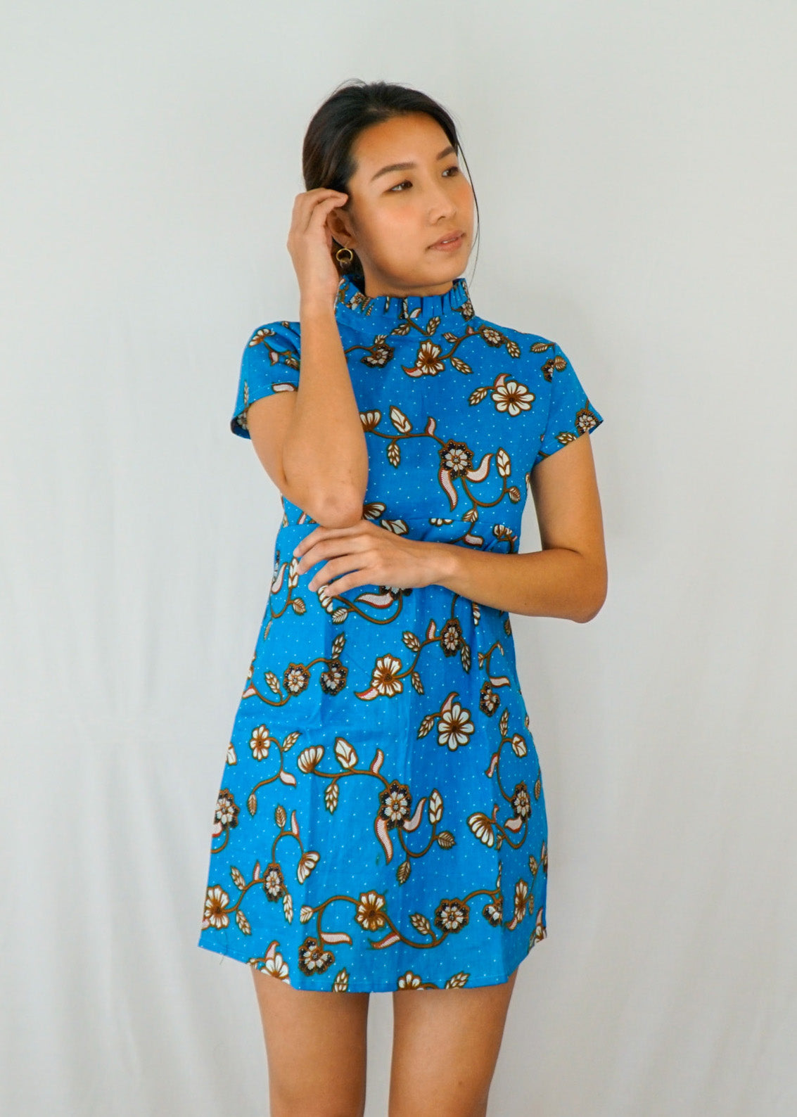 Lily Pleated Collar Mini Dress in Blue Floral
