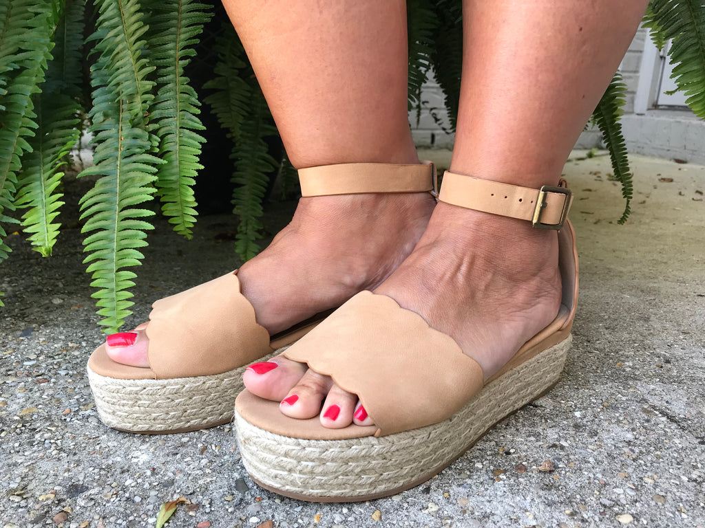Everly Camel Wedge