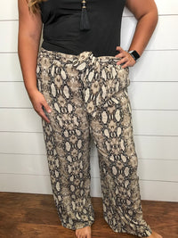 Can't Stop Me Pants : Curvy