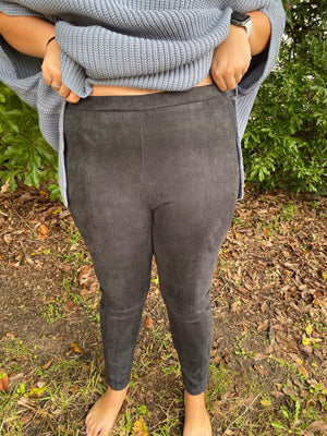 Hold Me Up Leggings : Curvy