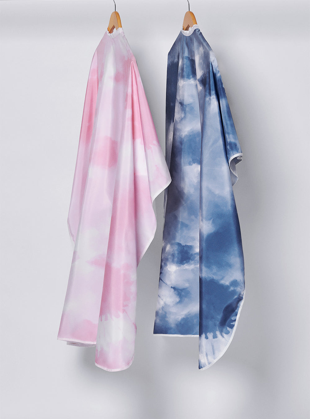Fromm Pro Professional Hair Salon Blue & Pink Tie Dye Hairstyling Capes