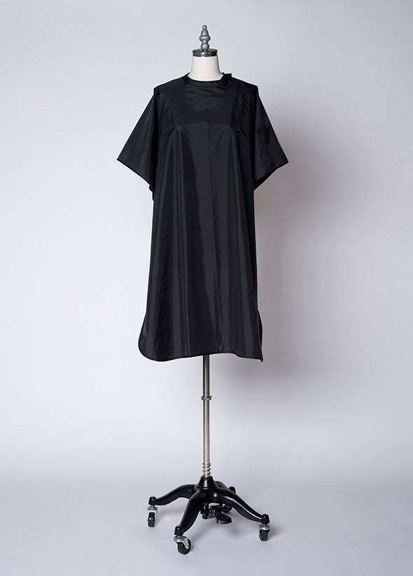 Fromm Pro Professional Salon Client Black Shampoo Cape on mannequin