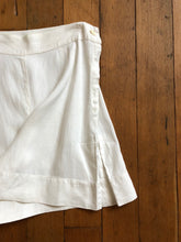 Load image into Gallery viewer, vintage 1930s 40s white shorts