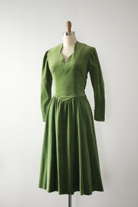 vintage 1940s green velvet dress with purse