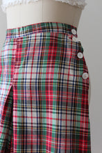 Load image into Gallery viewer, vintage 1940s plaid shorts