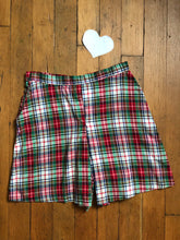 Load image into Gallery viewer, CLEARANCE vintage 1940s plaid shorts