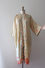 Load image into Gallery viewer, vintage 1920s pongee robe