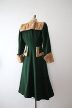 Load image into Gallery viewer, vintage 1940s green wool coat