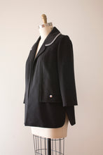 Load image into Gallery viewer, vintage 1960s Lilli Ann grey coat