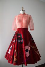 Load image into Gallery viewer, vintage 1950s style musical circle skirt