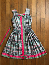 Load image into Gallery viewer, vintage 1950s London scene dress