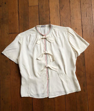 Load image into Gallery viewer, vintage 1940s rayon blouse