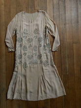 Load image into Gallery viewer, vintage 1920s novelty dress
