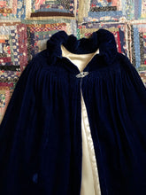 Load image into Gallery viewer, vintage 1920s blue velvet cape