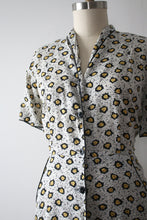 Load image into Gallery viewer, vintage 1940s novelty leaf dress