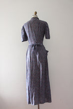Load image into Gallery viewer, vintage 1930s dressing gown