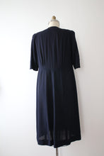 Load image into Gallery viewer, vintage 1940s rayon dress