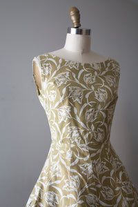 vintage 1950s pale green floral sun dress