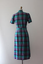 Load image into Gallery viewer, vintage 1940s 50s plaid cotton dress