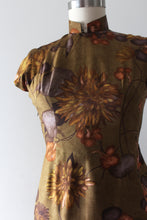 Load image into Gallery viewer, vintage 1960s silk floral Cheongsam dress