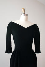 Load image into Gallery viewer, vintage 1950s Suzy Perette black velvet dress