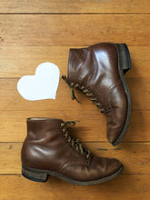 Load image into Gallery viewer, vintage 1940s brown leather boots