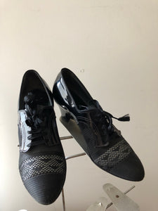 vintage 1930s mesh and patent leather Oxford heels