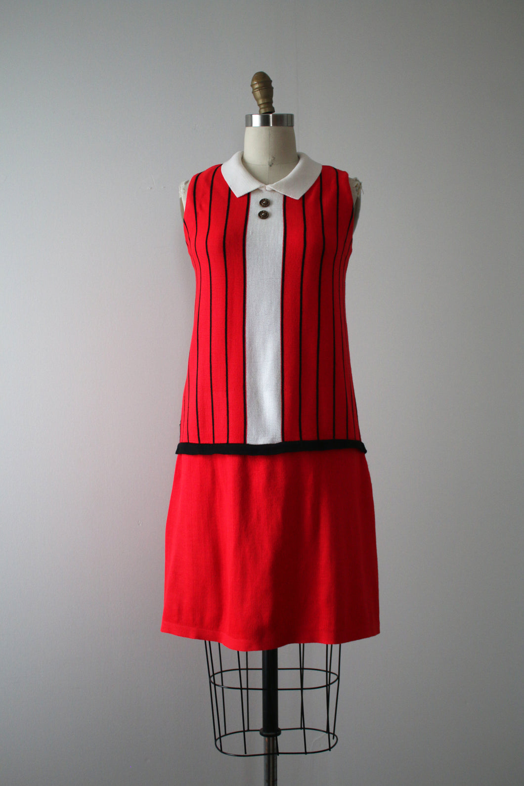 vintage 1960s knit Trompe L'Oeil dress