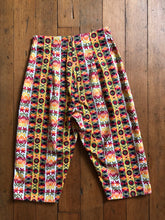 Load image into Gallery viewer, CLEARANCE vintage 1950s vibrant capri pants