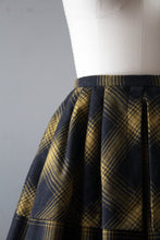 Load image into Gallery viewer, vintage 1950s plaid wool skirt