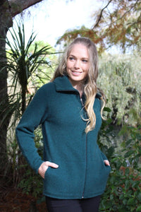 9842 Essential Jacket with Pockets