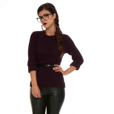 A lightweight crew neck jumper in a delicate lace pattern.