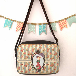 Bolso Moon modelo Mary Poppins