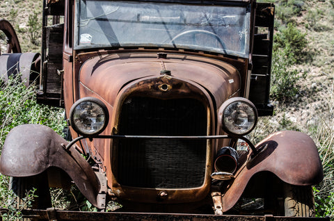 Rusted-out antique car