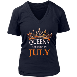 Queens Are Born In July T-Shirt - Girls Birthday Gift Shirt