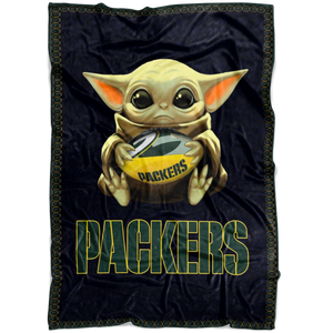 Baby Yoda Hug Green Bay Packers Quilt Fleece Blanket